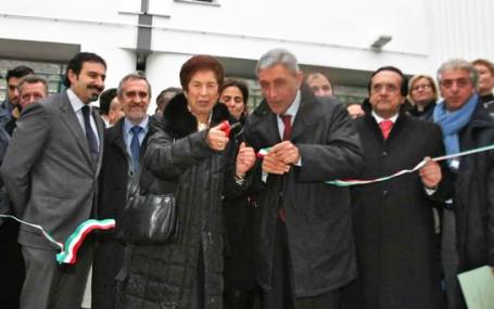 l'inaugurazione della piazza Telematica a Scampia